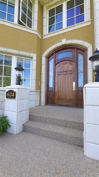 Photo 5: 624 Crescent Road NW in Calgary: Rosedale Detached for sale : MLS®# A1108385