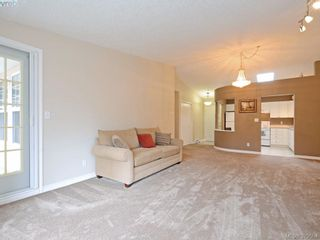 Photo 5: 402 606 Goldstream Ave in VICTORIA: La Fairway Condo for sale (Langford)  : MLS®# 762139