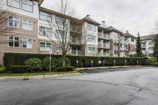 """Photo 18: 306 15210 GUILDFORD Drive in Surrey: Guildford Condo for sale in """"The Boulevard Club"""" (North Surrey)  : MLS®# R2229571"""