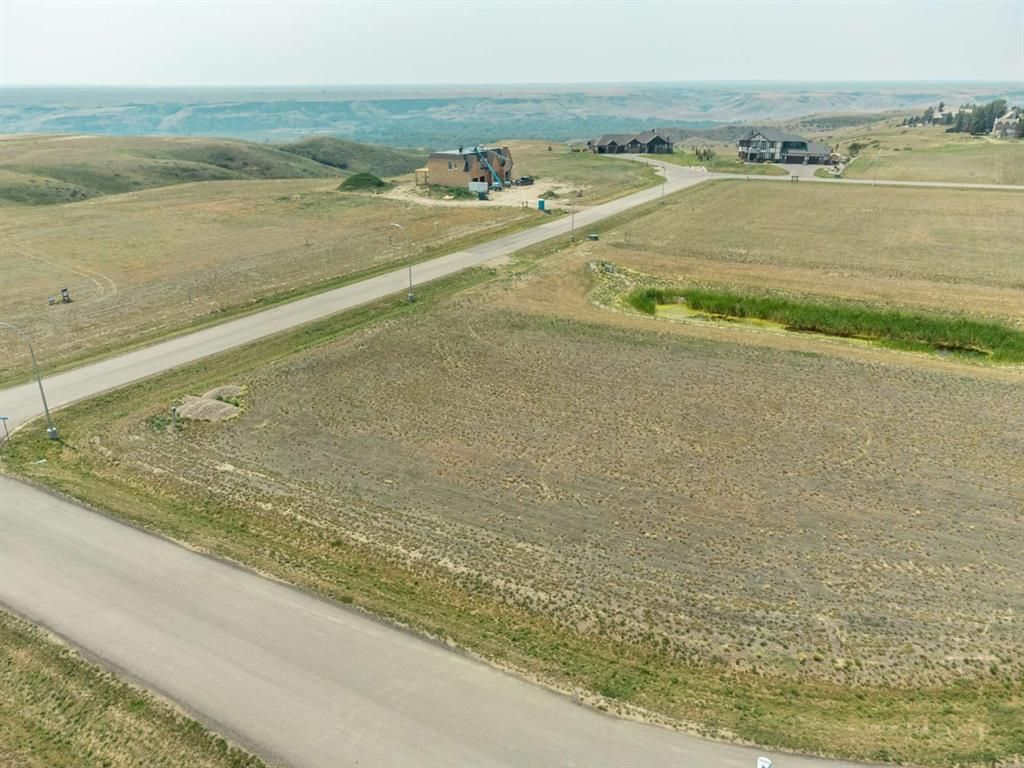 Main Photo: For Sale: 2 Edgemoor Place, Rural Lethbridge County, T1J 4R9 - A1130089