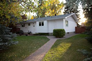 Photo 5: 56 Bennett Crescent NW in Calgary: Brentwood Detached for sale : MLS®# A1149298