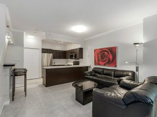 "Photo 5: 1190 RICHARDS Street in Vancouver: Yaletown Townhouse for sale in ""Park Plaza"" (Vancouver West)  : MLS®# V1122605"