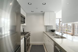 Photo 8: 3210 928 BEATTY STREET in Vancouver: Yaletown Condo for sale (Vancouver West)  : MLS®# R2463696