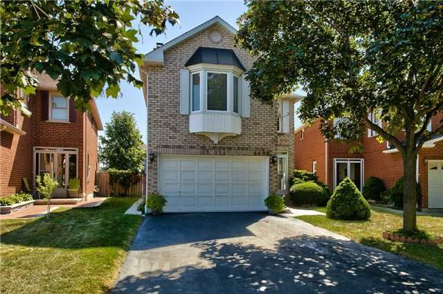 Main Photo: 4490 Violet Road in Mississauga: East Credit Freehold for sale