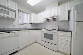 """Photo 10: 1 6588 SOUTHOAKS Crescent in Burnaby: Highgate Townhouse for sale in """"TUDOR GROVE"""" (Burnaby South)  : MLS®# R2343498"""