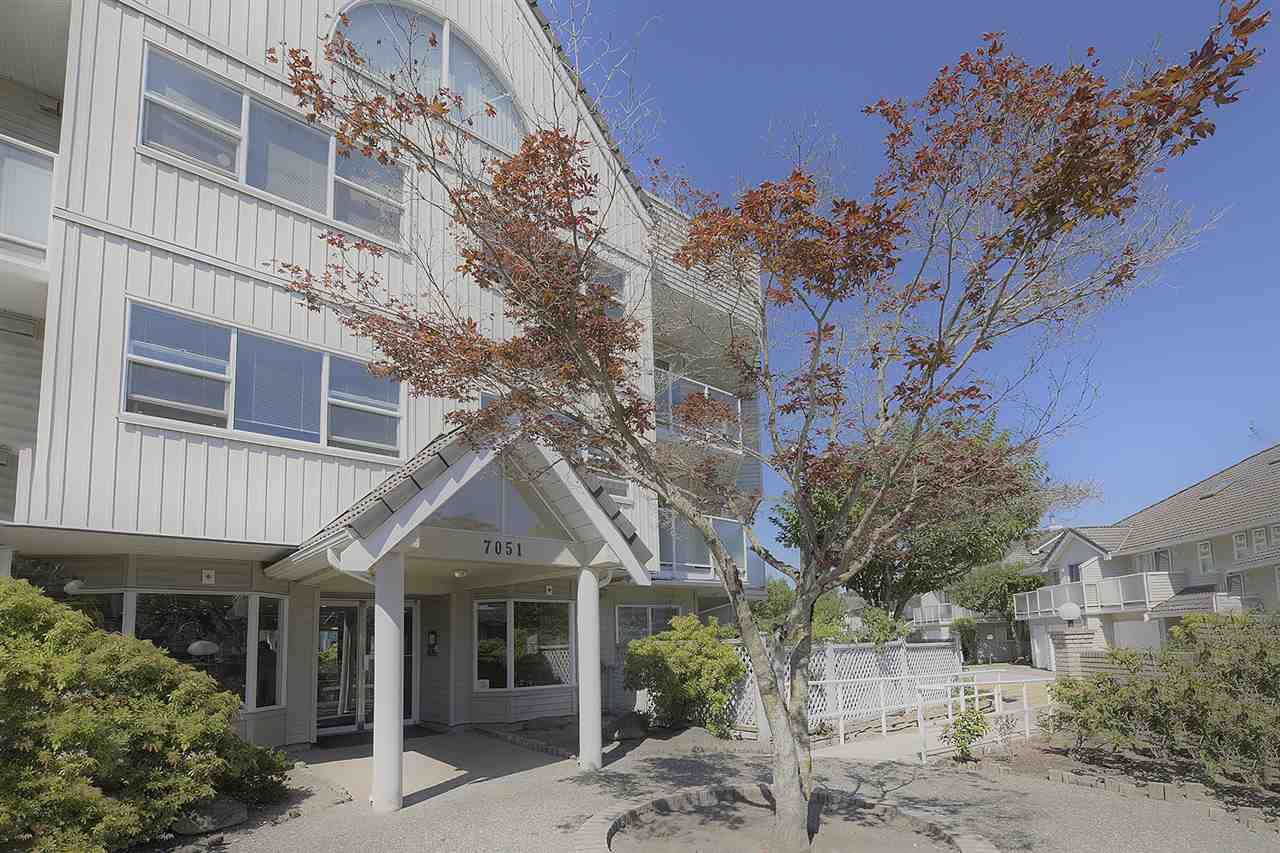 """Main Photo: 405 7051 BLUNDELL Road in Richmond: Brighouse South Condo for sale in """"WINDSOR GARDEN"""" : MLS®# R2536854"""