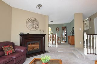 Photo 3: 17 ARROW-WOOD Place in Port Moody: Heritage Mountain House for sale : MLS®# R2177275