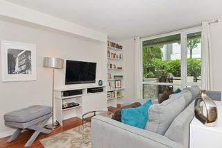 """Photo 3: 2727 PRINCE EDWARD Street in Vancouver: Mount Pleasant VE Townhouse for sale in """"UNO"""" (Vancouver East)  : MLS®# V1122910"""