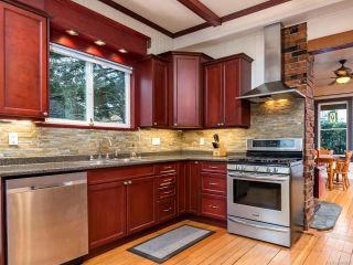 Photo 6: 2745 Penrith Ave in CUMBERLAND: CV Cumberland House for sale (Comox Valley)  : MLS®# 803696