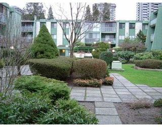 """Photo 2: 109 9202 HORNE Street in Burnaby: Government Road Condo for sale in """"LOUGHEED ESTATES"""" (Burnaby North)  : MLS®# V632407"""