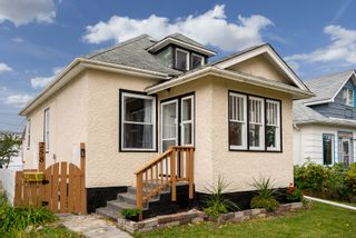 Photo 1: 258 Chalmers Avenue in Winnipeg: Elmwood House for sale (3A)  : MLS®# 202024878