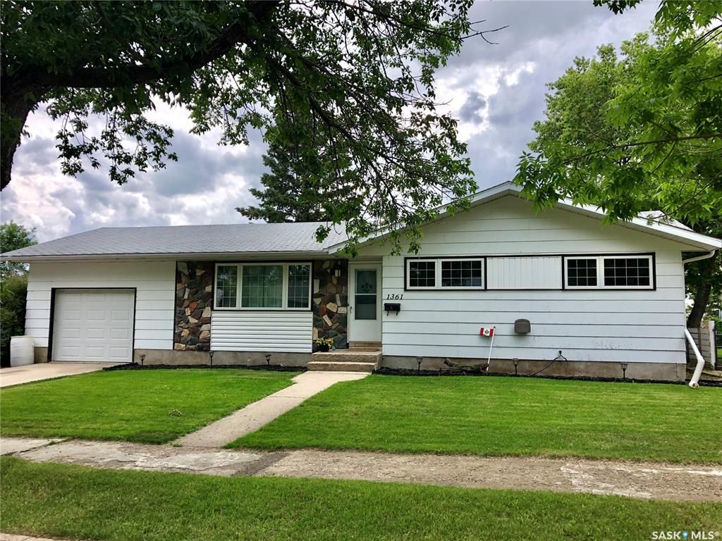Main Photo: 1361 94th Street in North Battleford: West NB Residential for sale : MLS®# SK815572