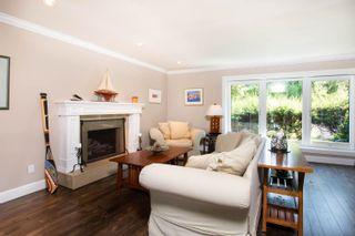 """Photo 4: 5615 GREENLAND Drive in Delta: Tsawwassen East House for sale in """"THE TERRACE"""" (Tsawwassen)  : MLS®# R2599281"""