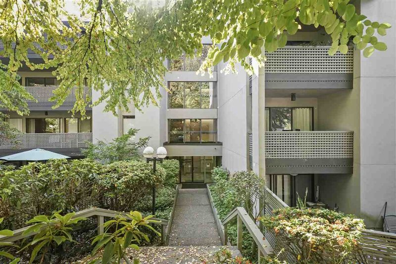 FEATURED LISTING: 214 - 1955 WOODWAY Place Burnaby