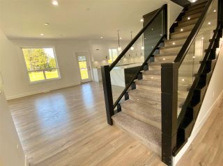 """Photo 3: 8365 BREAKEY Street in Mission: Mission BC House for sale in """"WEST HEIGHTS-WEST OF CEDAR"""" : MLS®# R2583454"""
