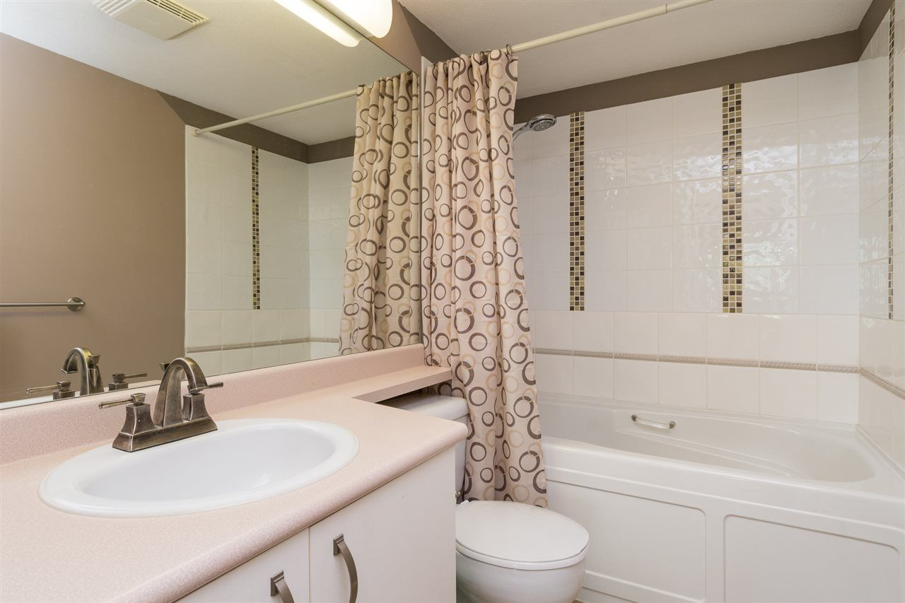 """Photo 14: Photos: 201 15130 29A Avenue in Surrey: King George Corridor Condo for sale in """"The Sands"""" (South Surrey White Rock)  : MLS®# R2161626"""