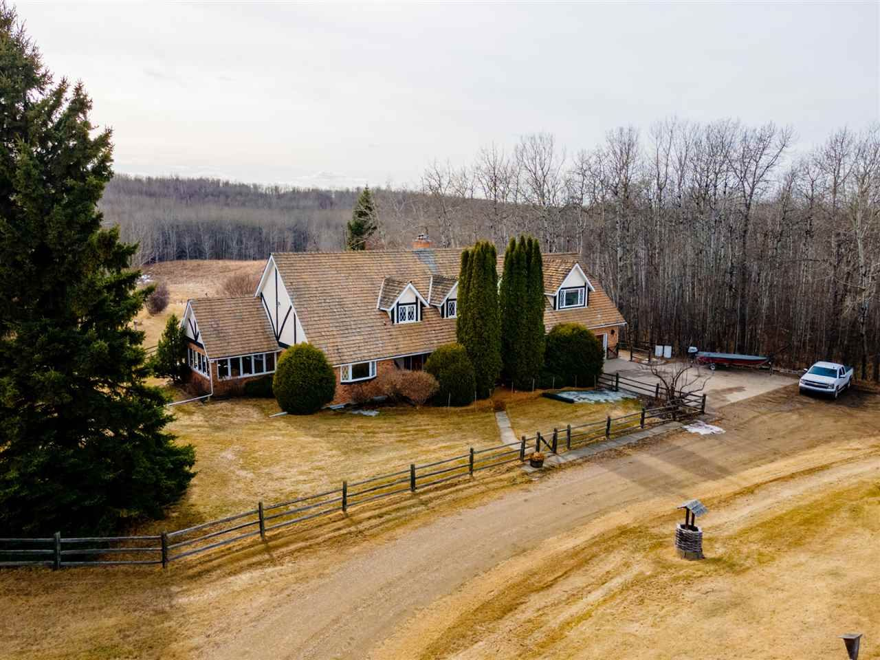 Main Photo: 1129 Township Road 544: Rural Lac Ste. Anne County House for sale : MLS®# E4236356