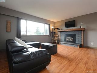 Photo 2: 2092 Airedale Pl in SIDNEY: Si Sidney North-West House for sale (Sidney)  : MLS®# 774876