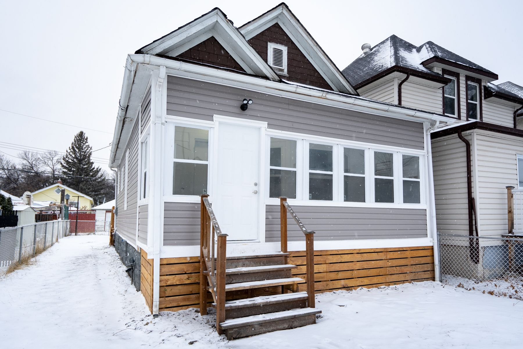 Main Photo: 626 Home Street in Winnipeg: West End House for sale (5A)  : MLS®# 1830944