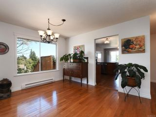 Photo 6: 3389 Mary Anne Cres in : Co Triangle House for sale (Colwood)  : MLS®# 855310