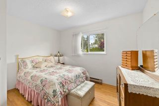 Photo 15: 818 DELESTRE Avenue in Coquitlam: Coquitlam West House for sale : MLS®# R2584831