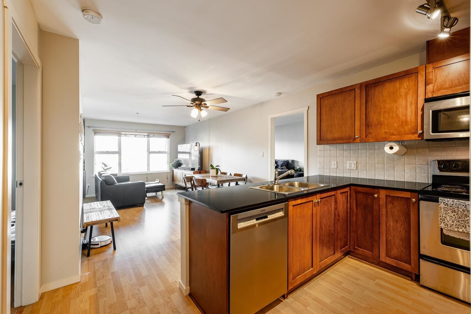 """Main Photo: 411 315 KNOX Street in New Westminster: Sapperton Condo for sale in """"San Marino"""" : MLS®# R2620316"""