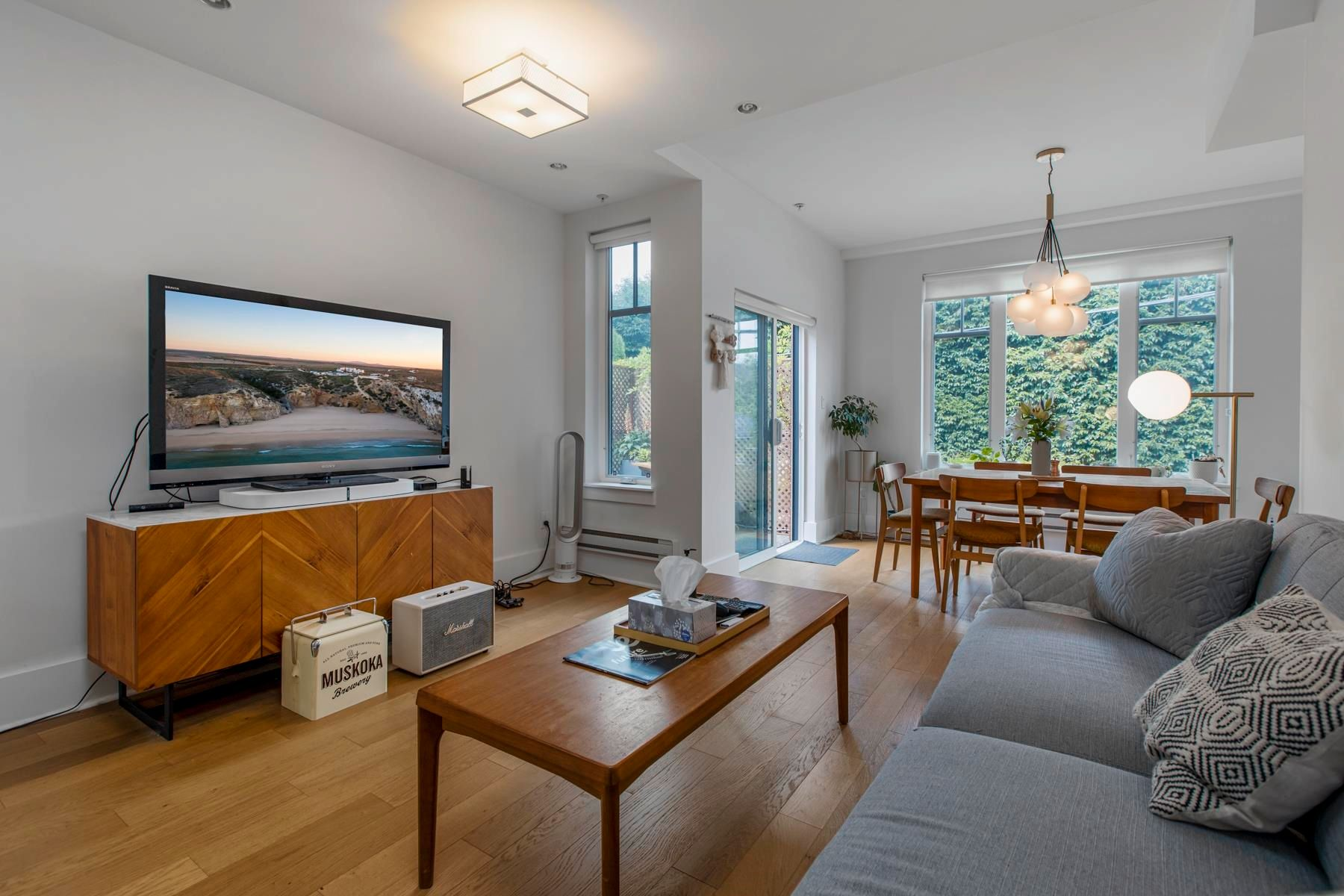 """Main Photo: 323 E 7TH Avenue in Vancouver: Mount Pleasant VE Townhouse for sale in """"ESSENCE"""" (Vancouver East)  : MLS®# R2614906"""
