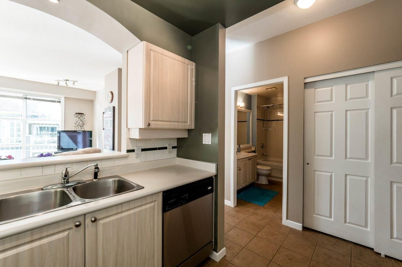 """Photo 10: Photos: 433 3600 WINDCREST Drive in North Vancouver: Roche Point Condo for sale in """"RAVENWOODS"""" : MLS®# R2072871"""