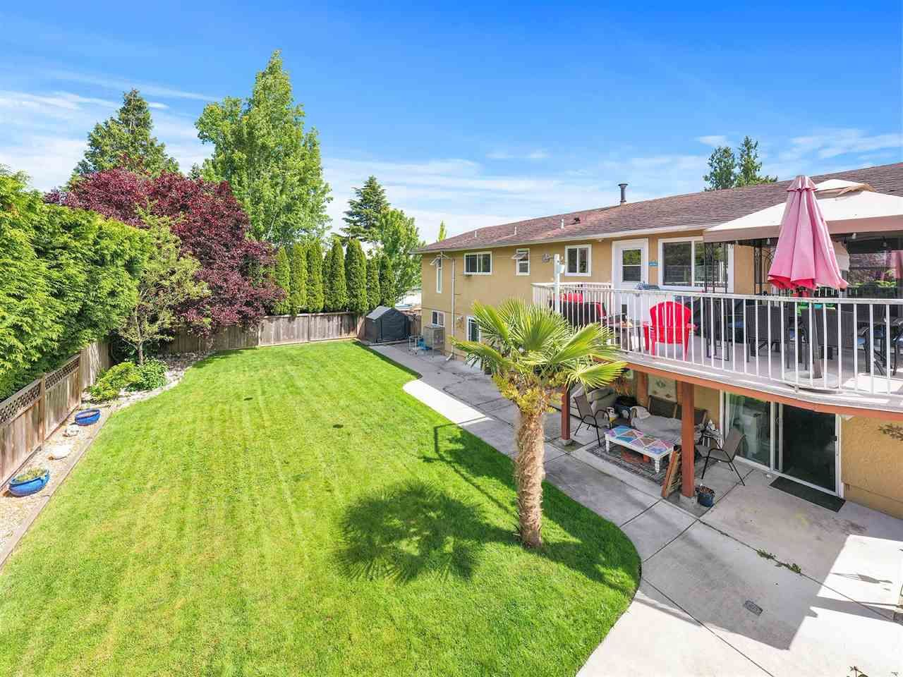 Main Photo: 4943 59 Street in Delta: Hawthorne House for sale (Ladner)  : MLS®# R2587242