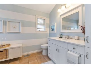 """Photo 15: 866 STEVENS Street: White Rock House for sale in """"west view"""" (South Surrey White Rock)  : MLS®# R2505074"""