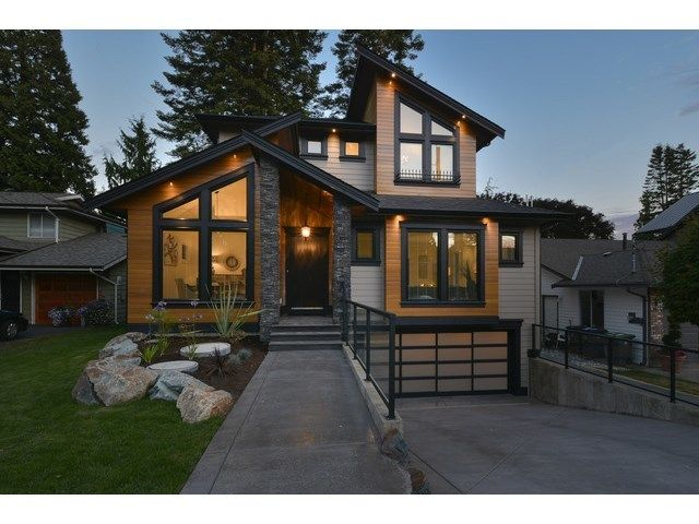 Main Photo: 12658 15A Avenue in White Rock: Home for sale : MLS®# F1436979