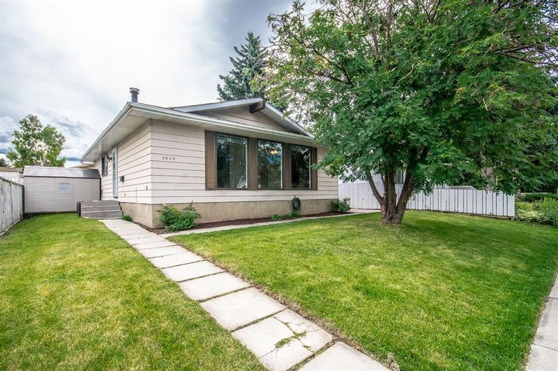 FEATURED LISTING: 3005 DOVERBROOK Road Southeast Calgary
