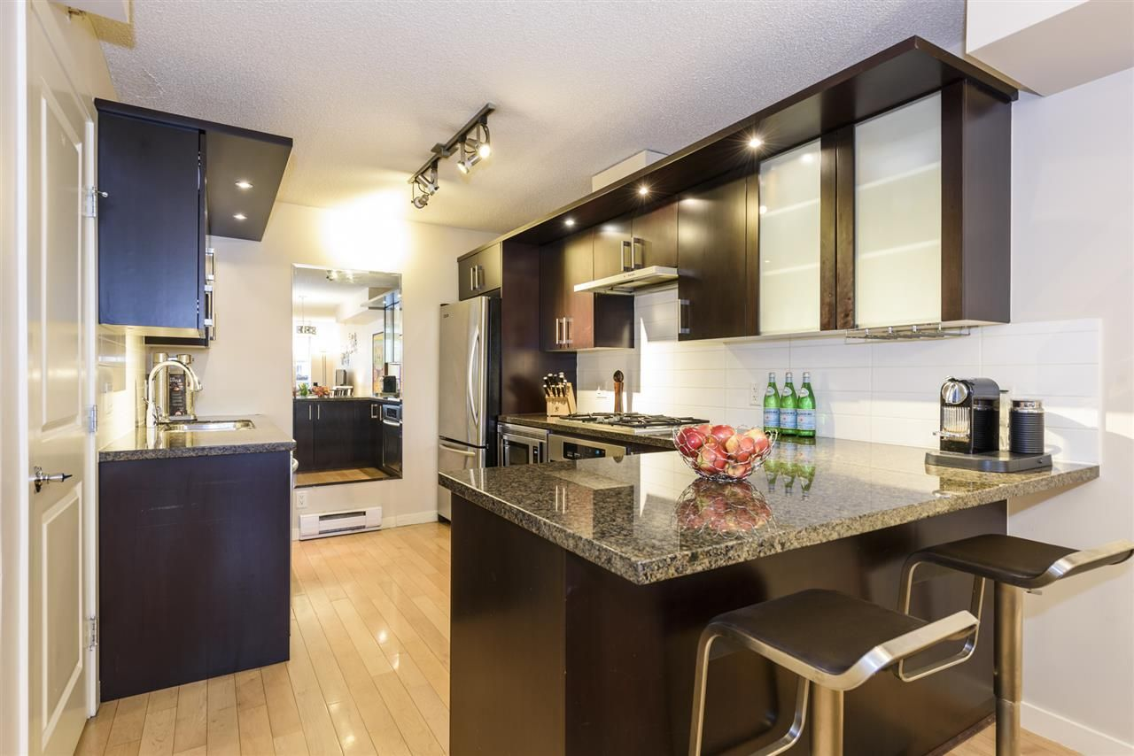 Photo 7: Photos: 1644 W 7TH AVENUE in Vancouver: Fairview VW Townhouse for sale (Vancouver West)  : MLS®# R2543861