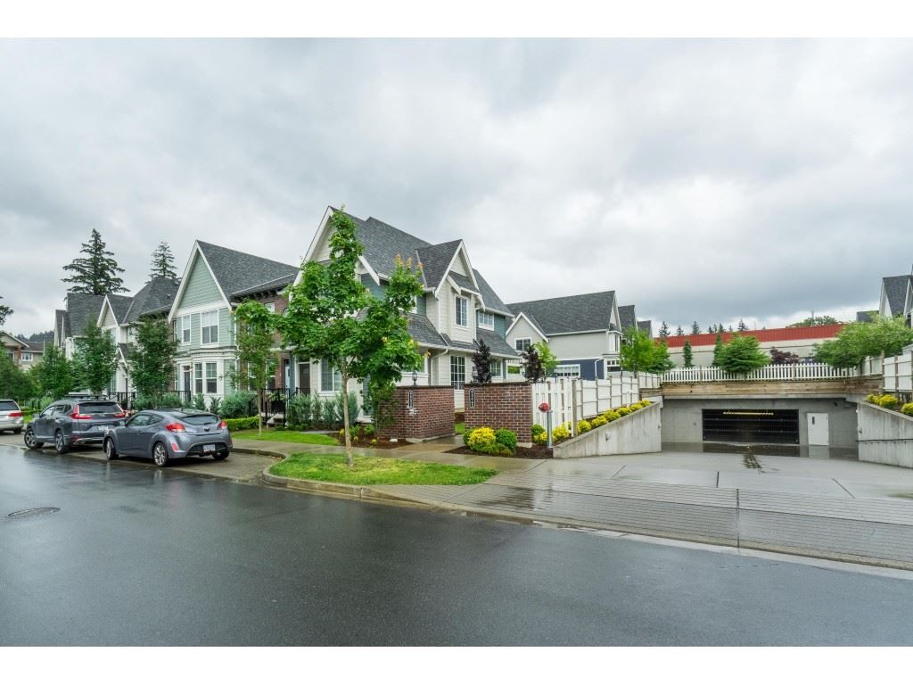 """Photo 31: Photos: 4 45526 TAMIHI Way in Sardis: Vedder S Watson-Promontory Townhouse for sale in """"BRIXTON STATION PHASE 2"""" : MLS®# R2459352"""