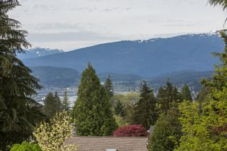 Photo 4: 926 KOMARNO Court in Coquitlam: Chineside House for sale : MLS®# R2584778