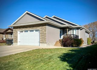 Photo 1: 508 Fourth Street North in Langenburg: Residential for sale : MLS®# SK873846
