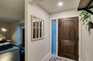 Photo 5: 1024 Woodview Crescent SW in Calgary: Woodlands Detached for sale : MLS®# A1091438