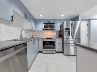 """Photo 12: 933 HOMER Street in Vancouver: Yaletown Townhouse for sale in """"THE PINNACLE"""" (Vancouver West)  : MLS®# R2562224"""