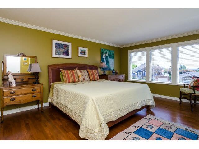 """Photo 14: Photos: 1159 BALSAM Street: White Rock House for sale in """"UPPER EAST BEACH"""" (South Surrey White Rock)  : MLS®# F1445609"""