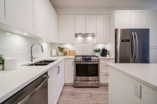 "Photo 14: 114 20673 78 Avenue in Langley: Willoughby Heights Condo for sale in ""The Grayson"" : MLS®# R2538735"