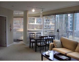 "Photo 6: 304 1177 HORNBY Street in Vancouver: Downtown VW Condo for sale in ""London Place"" (Vancouver West)  : MLS®# V762388"