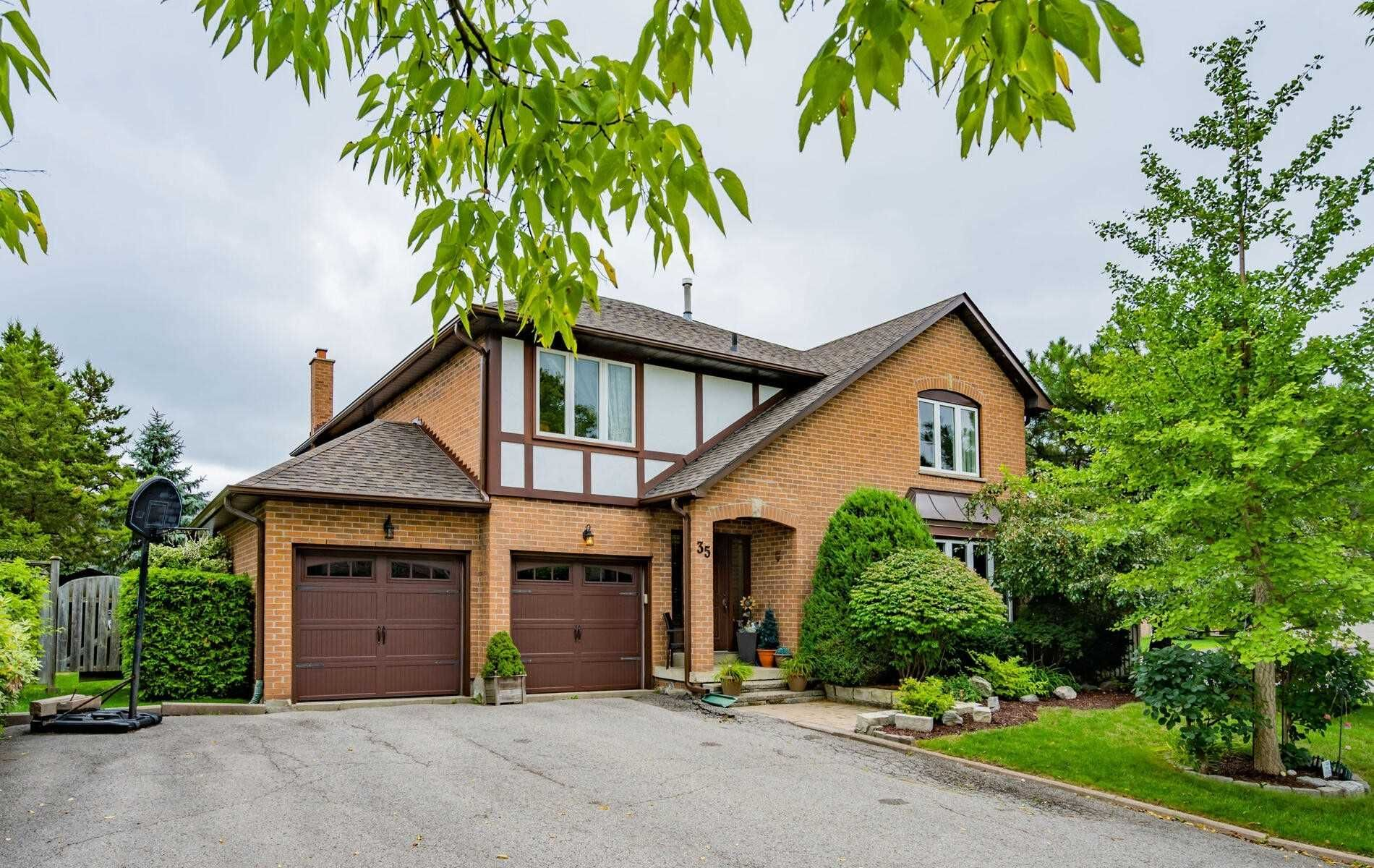 Main Photo: 35 Ashfield Drive in Richmond Hill: Oak Ridges Lake Wilcox House (2-Storey) for sale : MLS®# N4908106