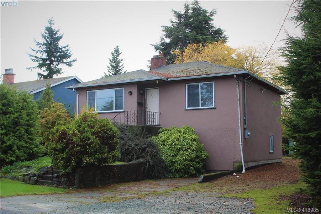 Main Photo: 221 Homer Rd in VICTORIA: SW Tillicum House for sale (Saanich West)  : MLS®# 829260
