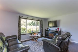 Photo 3: 7898 THRASHER Street in Mission: Mission BC House for sale : MLS®# R2268941
