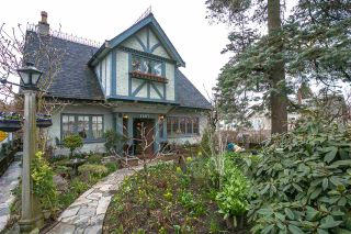 """Photo 1: 1697 E 22ND Avenue in Vancouver: Victoria VE House for sale in """"CEDAR COTTAGE"""" (Vancouver East)  : MLS®# R2150016"""