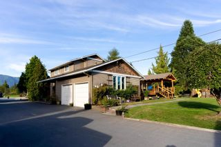 Photo 11: 18949 MCQUARRIE Road in Pitt Meadows: North Meadows PI House for sale : MLS®# R2620958