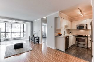 """Photo 3: 906 488 HELMCKEN Street in Vancouver: Yaletown Condo for sale in """"Robinson Tower"""" (Vancouver West)  : MLS®# R2086319"""