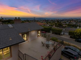 Main Photo: LA JOLLA House for sale : 6 bedrooms : 987 Muirlands Vista Way