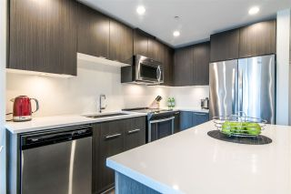 Photo 3: 323 723 W 3RD Street in North Vancouver: Harbourside Condo for sale : MLS®# R2369021