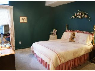 "Photo 7: 47 16325 82ND Avenue in Surrey: Fleetwood Tynehead Townhouse for sale in ""Hampton Woods"" : MLS®# F1400498"
